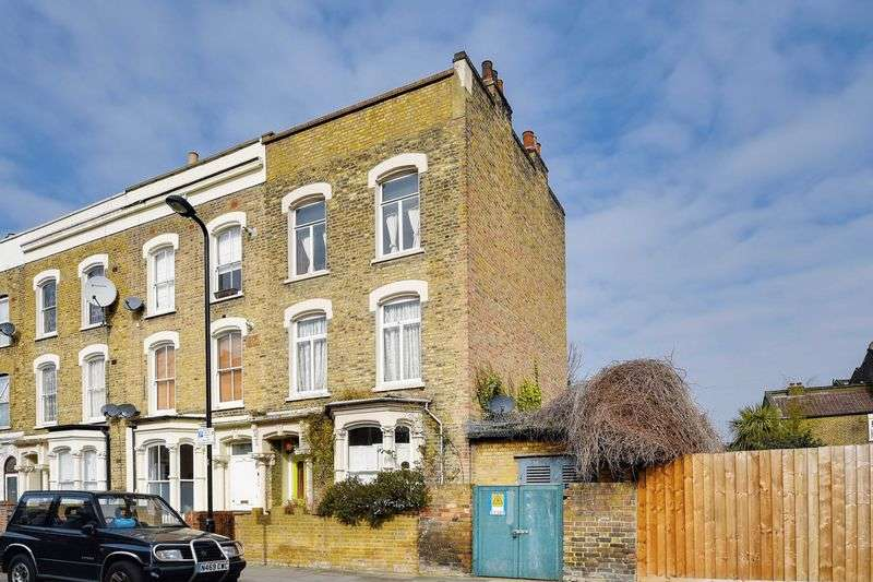 4 Bedrooms Terraced House for sale in Dunlace Road, London
