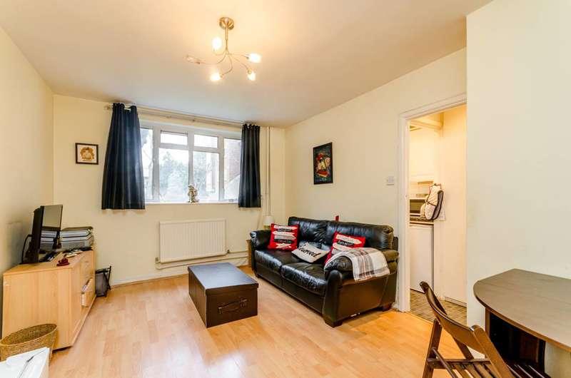1 Bedroom Flat for sale in Upper Richmond Road, Putney, SW15