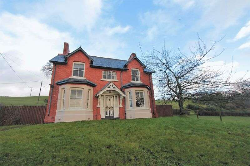 4 Bedrooms Detached House for sale in Gwyddelwern, Corwen