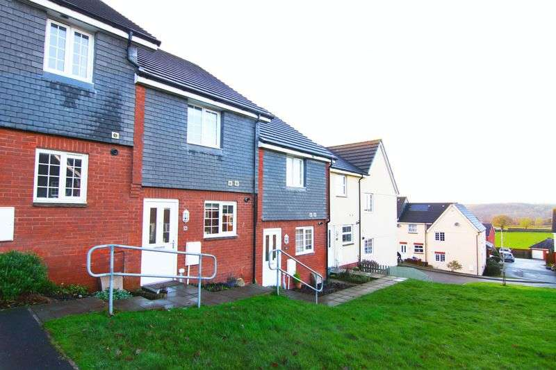 2 Bedrooms Terraced House for sale in Sterlings Way, Okehampton