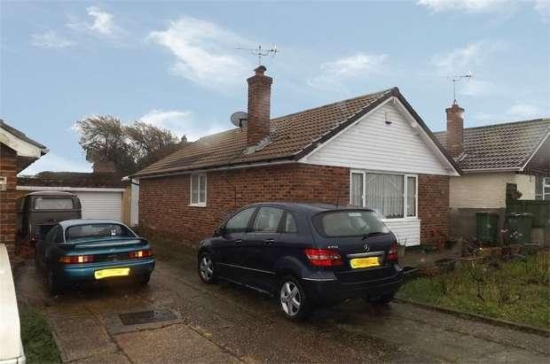 2 Bedrooms Detached Bungalow for sale in Redoubt Way, Dymchurch, Romney Marsh, Kent