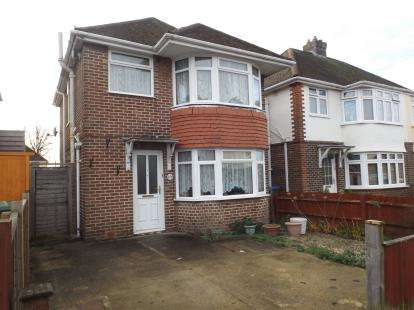 3 Bedrooms Detached House for sale in Sholing, Southampton, Hampshire