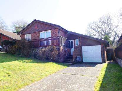 3 Bedrooms Bungalow for sale in Shanklin, Isle Of Wight