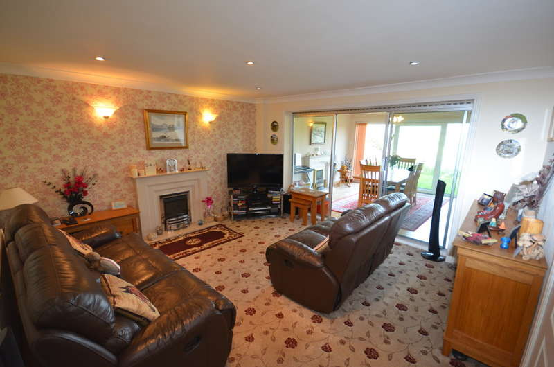 4 Bedrooms Detached Bungalow for sale in Chapman Road , Hoddlesden