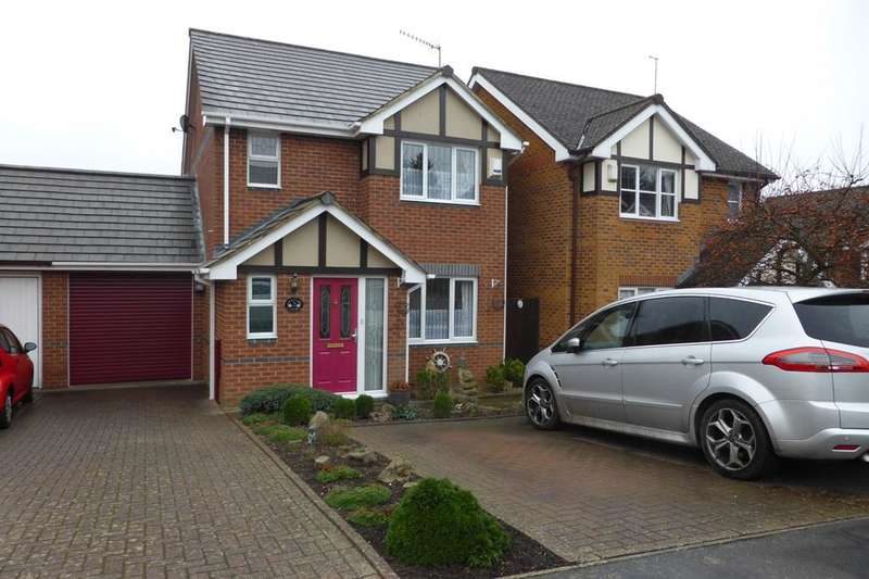 3 Bedrooms Detached House for sale in Grayling Court, Berkhamsted, HP4