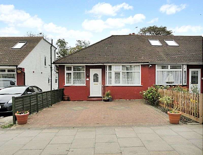 2 Bedrooms Semi Detached Bungalow for sale in Islip Manor Road, Northolt