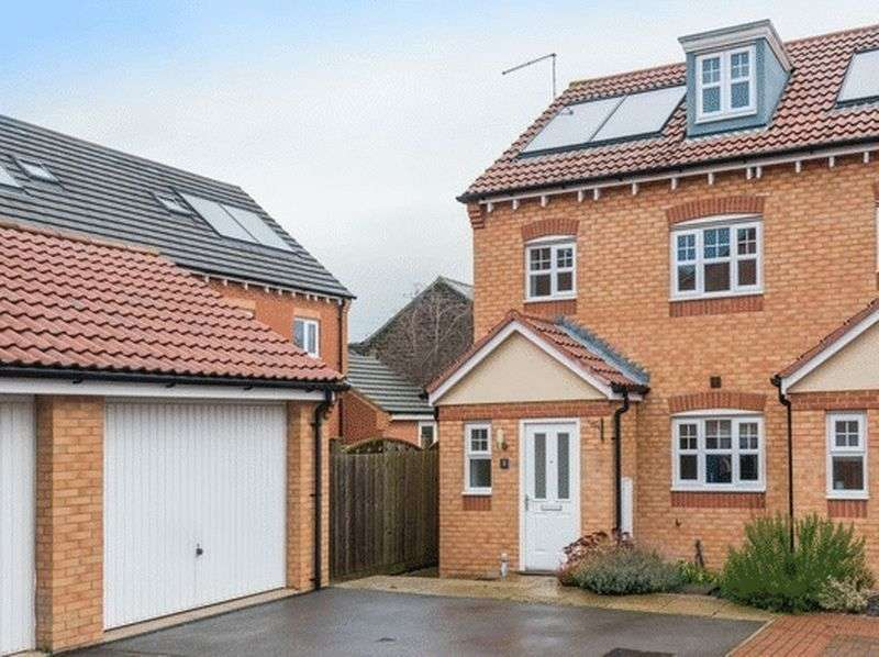 3 Bedrooms Terraced House for sale in Hawthorn Mews, High Green, S35 4JX - Mews courtyard setting