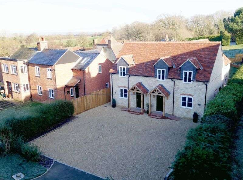 4 Bedrooms Semi Detached House for sale in Tiddington, Oxfordshire