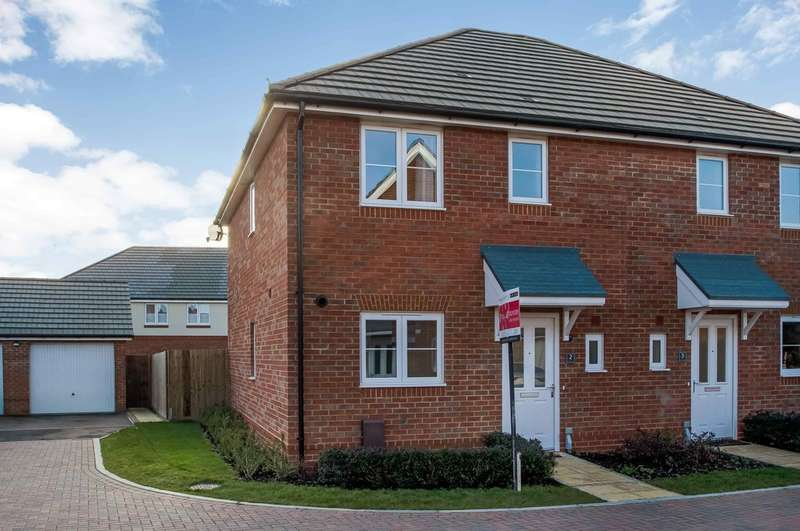 3 Bedrooms Semi Detached House for sale in Milton, Hampshire