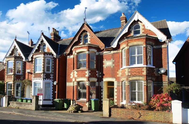 4 Bedrooms Semi Detached House for sale in Bedford Road, Horsham