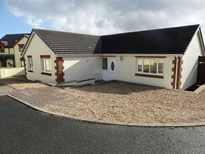 3 Bedrooms Bungalow for sale in Fairways, Pembroke Dock