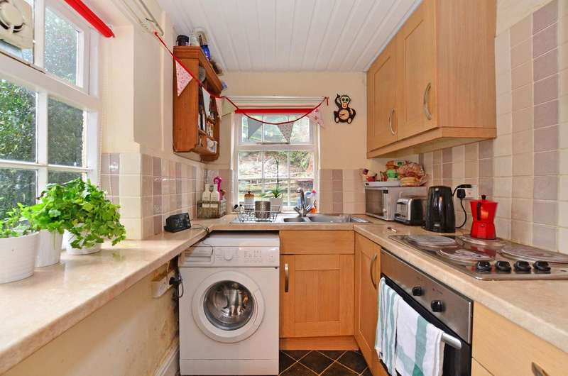 4 Bedrooms House for rent in Cruise Road, S11