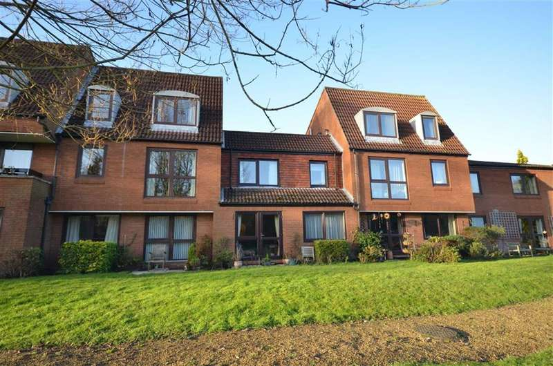 1 Bedroom Flat for sale in Homepark House, South Street, Farnham