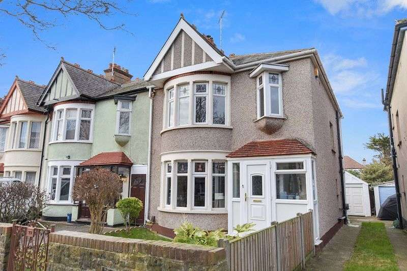 3 Bedrooms Terraced House for sale in Brunswick Road, Southend-On-Sea
