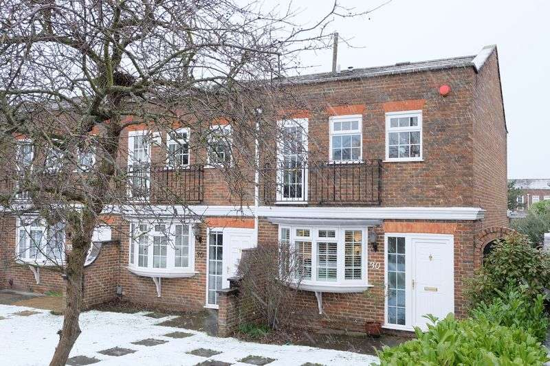3 Bedrooms Terraced House for sale in Crook Log, Bexleyheath