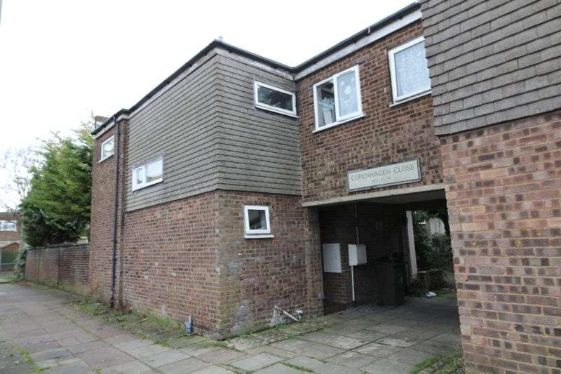 4 Bedrooms House for sale in Four bedroom family home