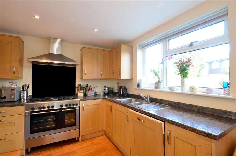 3 Bedrooms Semi Detached House for sale in Oak Lane, Headcorn, Ashford, Kent