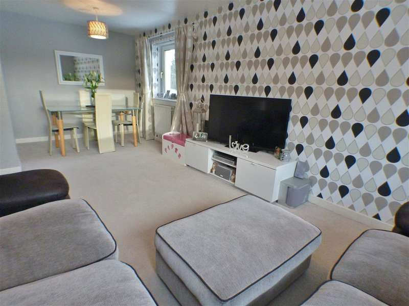 2 Bedrooms Apartment Flat for sale in Glen Cannich, St. Leonards, EAST KILBRIDE