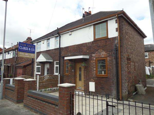 2 Bedrooms Semi Detached House for sale in Whitecar Avenue, Manchester