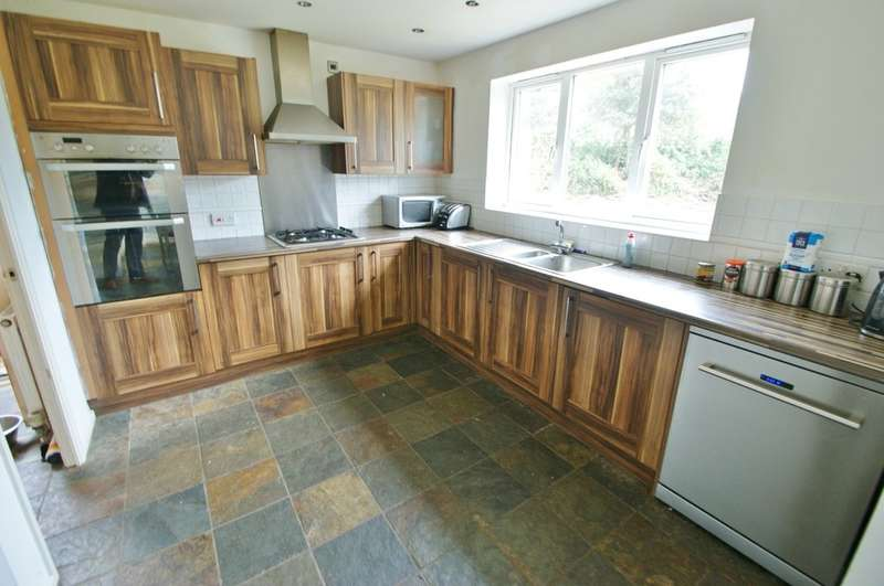 4 Bedrooms Detached House for sale in Poppyfields, Norwich