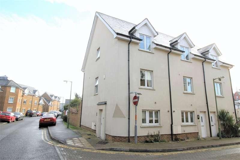 4 Bedrooms Town House for sale in Apsley, Hemel Hempstead
