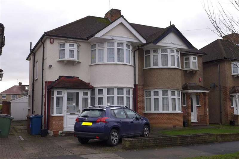 3 Bedrooms Property for sale in Clifton Avenue, Stanmore, Middlesex