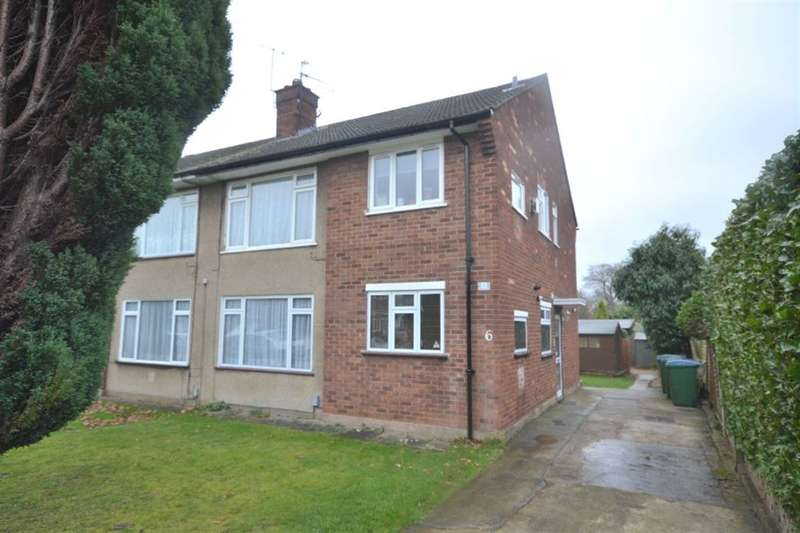 2 Bedrooms Maisonette Flat for sale in The Glebe, Garston Watford, Herts