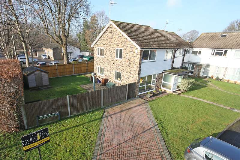 3 Bedrooms End Of Terrace House for sale in Yew Tree Close, Horley Row, Horley, Surrey, RH6