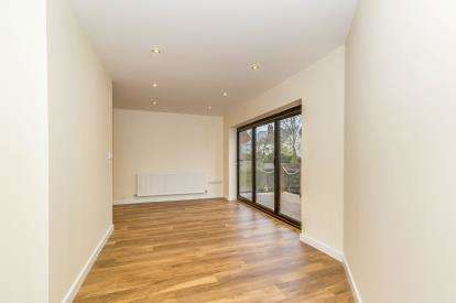 3 Bedrooms Semi Detached House for sale in Exmouth Street, Cheltenham, Gloucestershire, Cheltenham