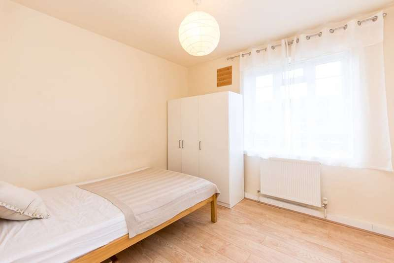4 Bedrooms Flat for sale in Havelock Close, White City, W12