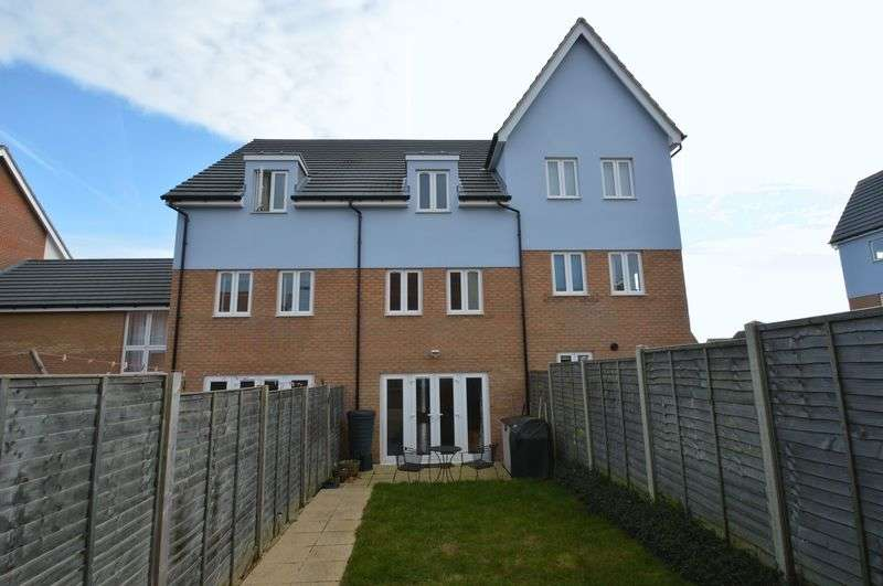 4 Bedrooms House for sale in Poethlyn Drive, Queens Hill, Norwich