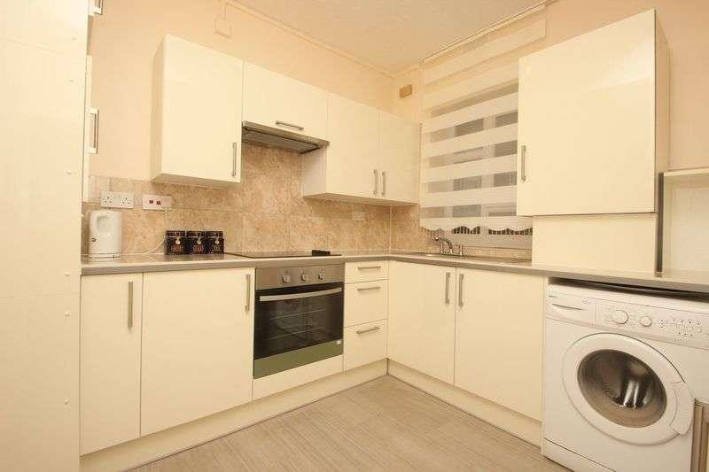 3 Bedrooms Flat for sale in Fanshaw Street, Shoreditch, N1