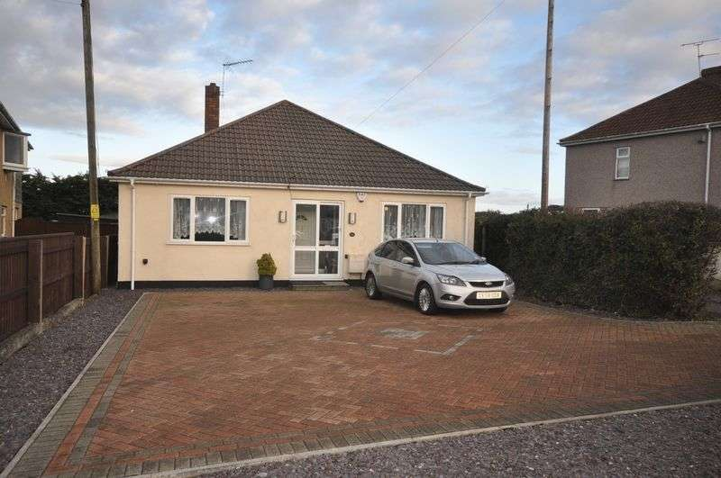 3 Bedrooms Detached Bungalow for sale in Spring Hill Kingswood