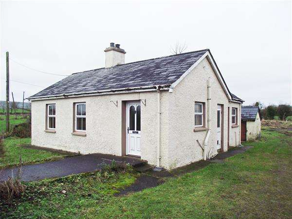 2 Bedrooms Bungalow for sale in 84 Derryhooly Road