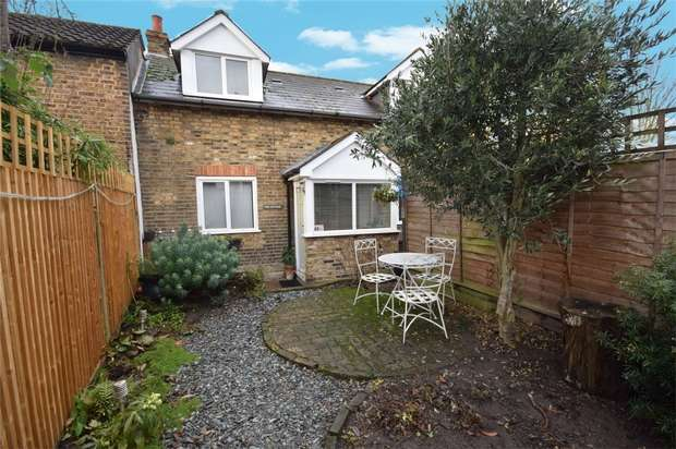 2 Bedrooms Cottage House for sale in Richmond Rd, Twickenham