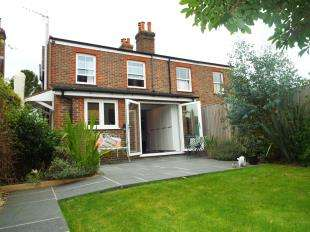 3 Bedrooms Semi Detached House for sale in Crow Borough View, North Street, Rotherfield, Crowborough