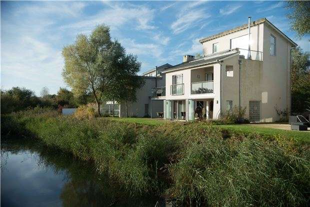 5 Bedrooms Detached House for sale in GL7 6BJ