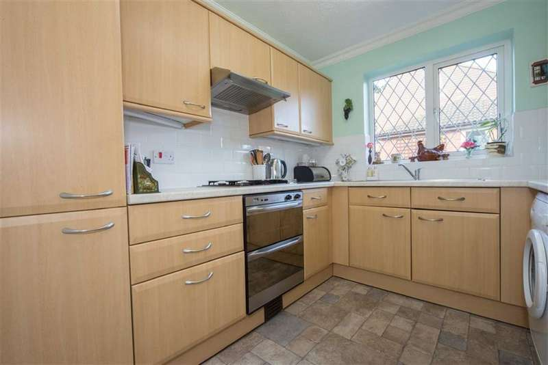 3 Bedrooms Property for sale in Tylers Mead, Luton