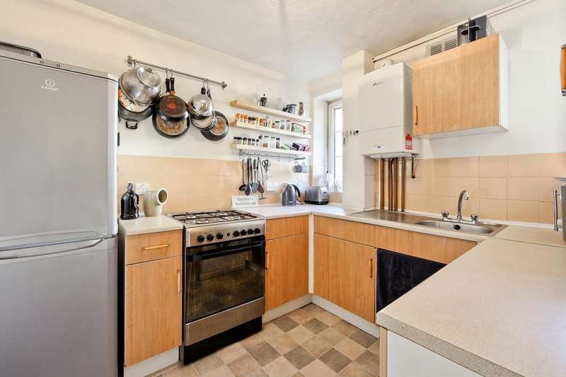 2 Bedrooms Flat for sale in Bow Church, Bromley High Street, London E3