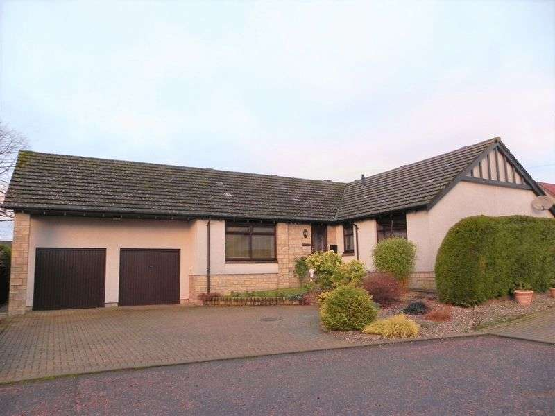 4 Bedrooms Detached Bungalow for sale in Drimmie Place, Forfar