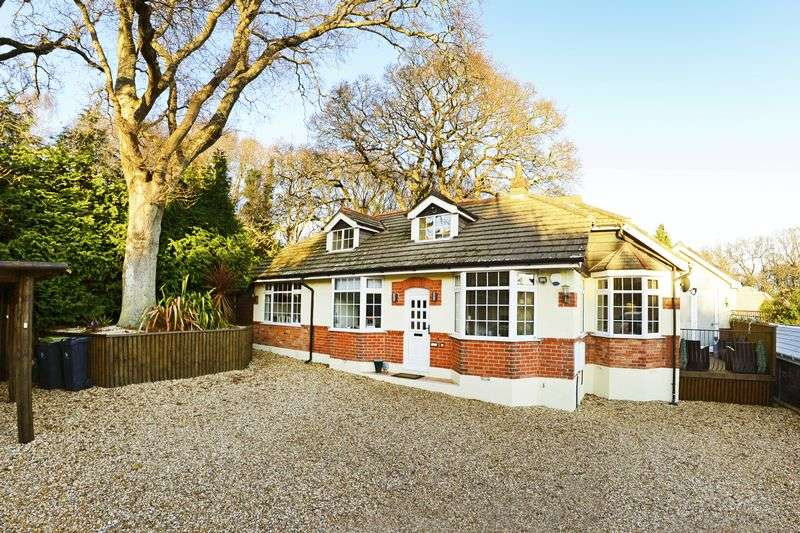 4 Bedrooms Detached Bungalow for sale in Blandford Road, Wimborne, BH21.