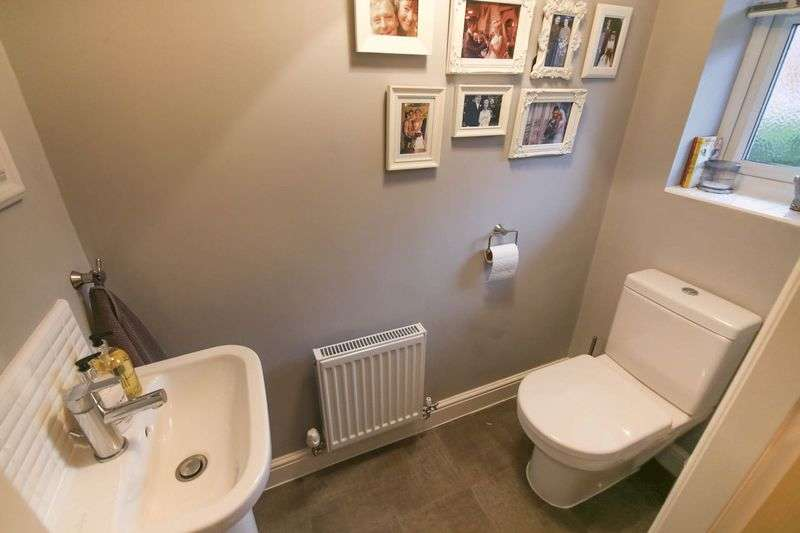 3 Bedrooms Terraced House for sale in Alden Close, Standish, Wigan
