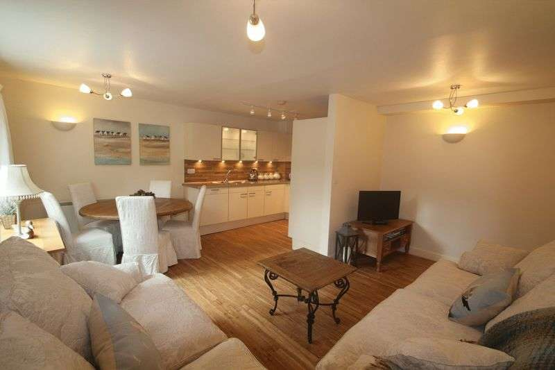 2 Bedrooms Flat for sale in Apartment 6 Meadowcroft House, Meadowcroft Lane, Bamford