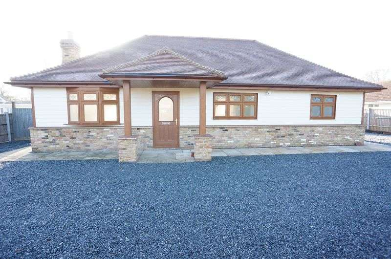 3 Bedrooms Detached Bungalow for sale in Windsor Road, Bowers Gifford