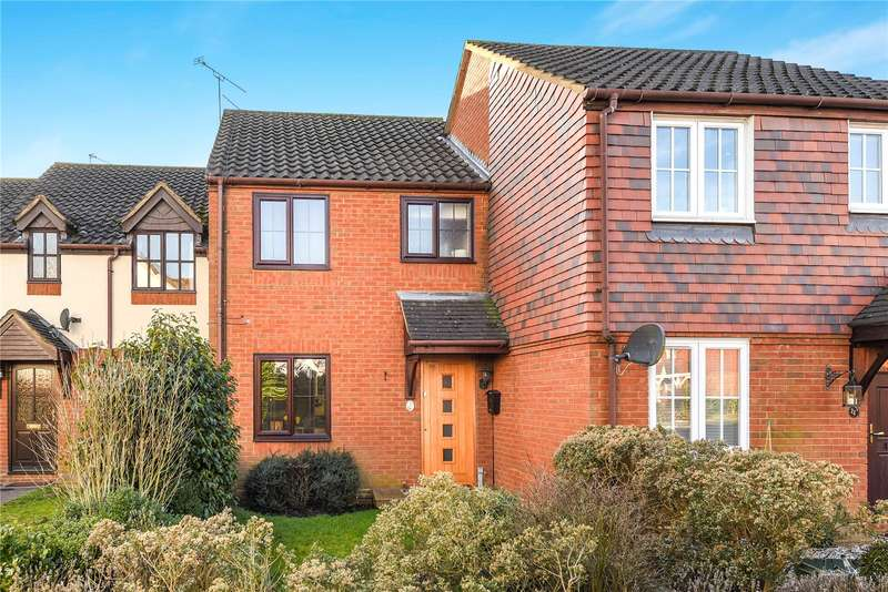 2 Bedrooms Terraced House for sale in Waterhouse Mead, College Town, Sandhurst, Berkshire, GU47