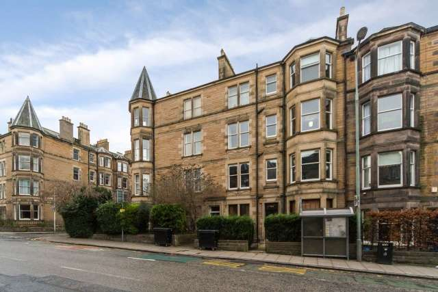 2 Bedrooms Flat for sale in 70 Comiston Road, Morningside, Edinburgh, EH10 5QQ