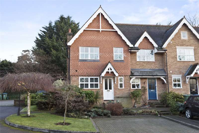 3 Bedrooms End Of Terrace House for sale in Hadley Place, Weybridge, Surrey, KT13