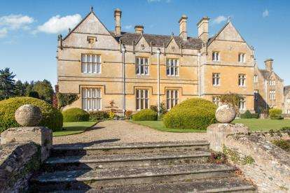 1 Bedroom Flat for sale in Brockhampton Park, Brockhampton, Cheltenham