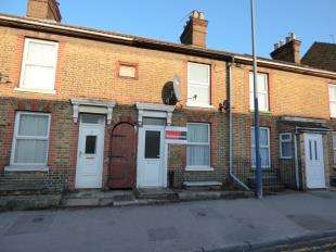 2 Bedrooms Terraced House for sale in Well Road, Maidstone, Kent