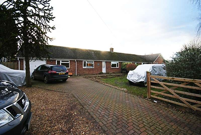 3 Bedrooms Semi Detached Bungalow for sale in The Marsh, Thrandeston, Diss